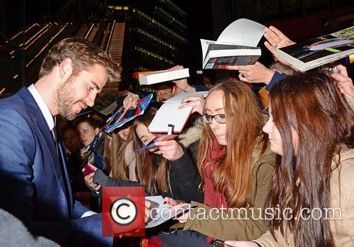 Liam Hemsworth and Fans 7
