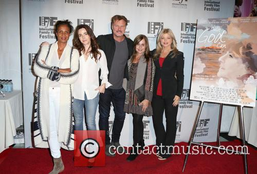 Robbi Chong, Lisa Sheridan, Greg Evigan, Linda Flannery and Donna D'errico