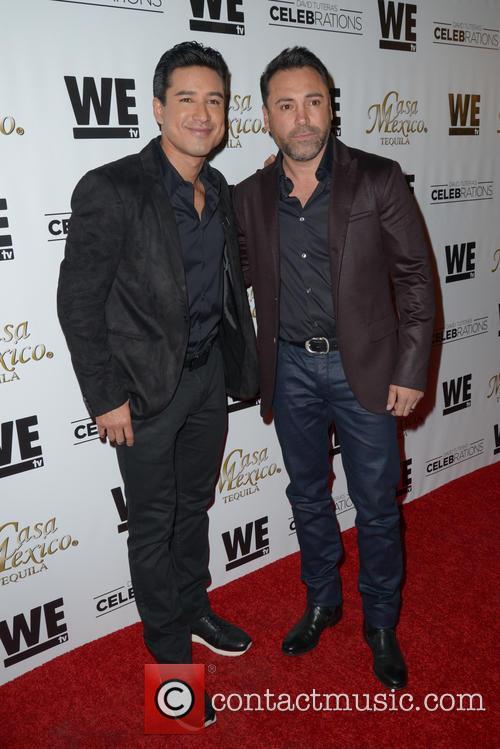Mario Lopez and Oscar De La Hoya 8