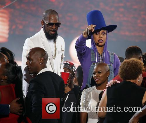 Erykah Badu and R. Kelly 2