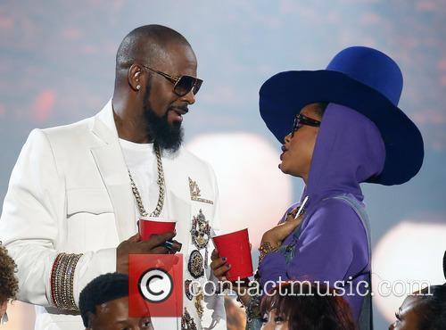 Erykah Badu and R. Kelly 8