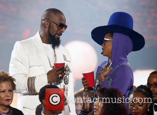 Erykah Badu and R. Kelly 9