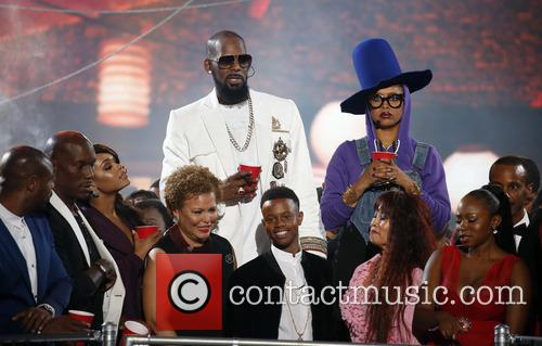Erykah Badu and R. Kelly 11