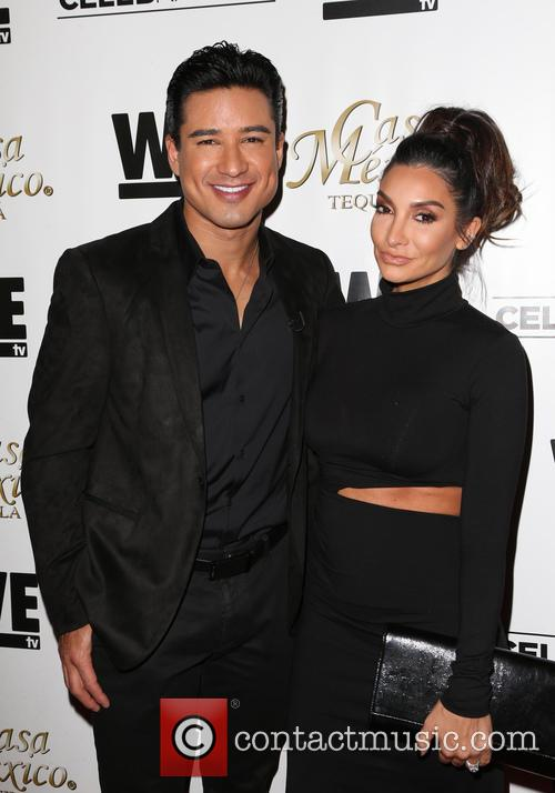 Mario Lopez and Courtney Mazza 7