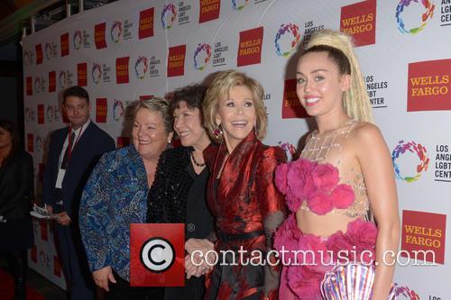 Lorri L. Jean, Lily Tomlin, Jane Fonda and Miley Cyrus 5
