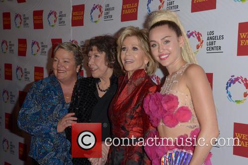 Lorri L. Jean, Lily Tomlin, Jane Fonda and Miley Cyrus 7