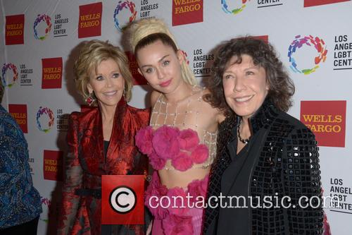 Jane Fonda, Miley Cyrus and Lily Tomlin 10