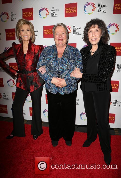 Jane Fonda, Lorri L. Jean and Lily Tomlin 10