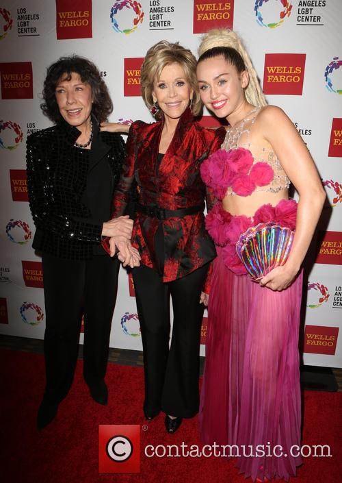 Lily Tomlin, Jane Fonda and Miley Cyrus 4