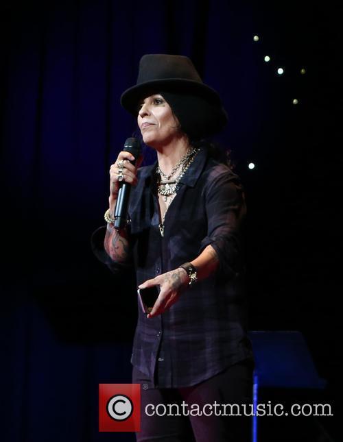Linda Perry 5