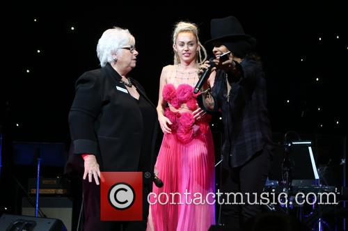Luann Boylan, Miley Cyrus and Linda Perry 4