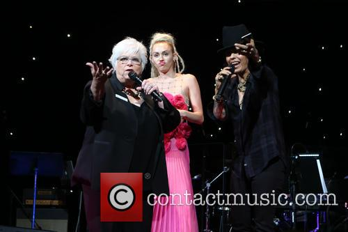 Luann Boylan, Miley Cyrus and Linda Perry 5