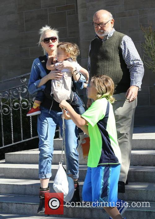 Gwen Stefani, Kingston Rossdale, Apollo Rossdale and Dennis Stefani 4
