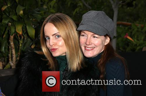 Mena Suvari and Kathleen York 8
