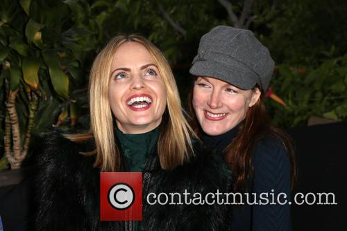 Mena Suvari and Kathleen York 9