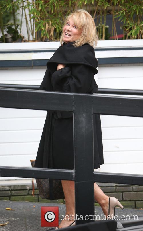 Elaine Paige 6