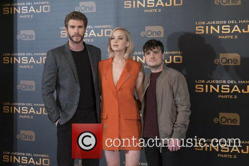 Liam Hemsworth, Jennifer Lawrence and Josh Hutcherson 9