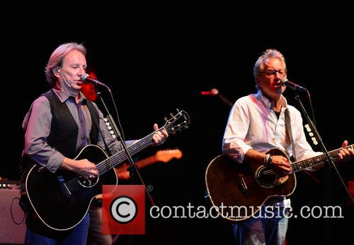 Dewey Bunnell and Gerry Beckley 8