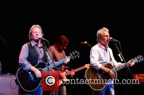 Dewey Bunnell and Gerry Beckley 10