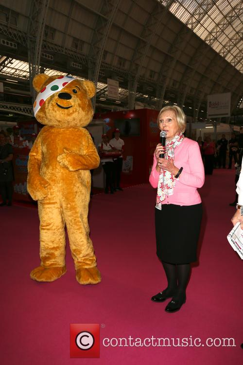 Mary Berry and Pudsey 6