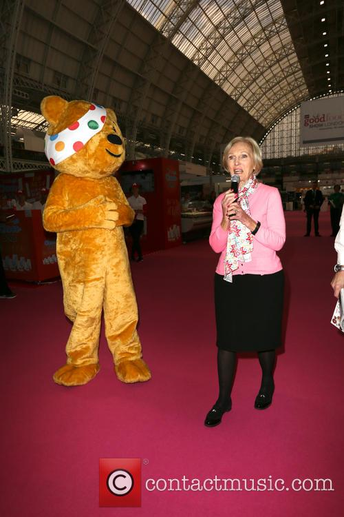 Mary Berry and Pudsey 8