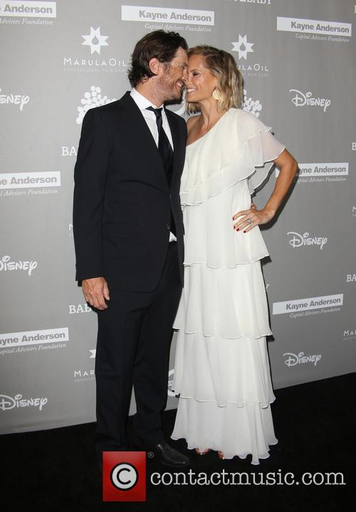 Erinn Bartlett and Oliver Hudson 1