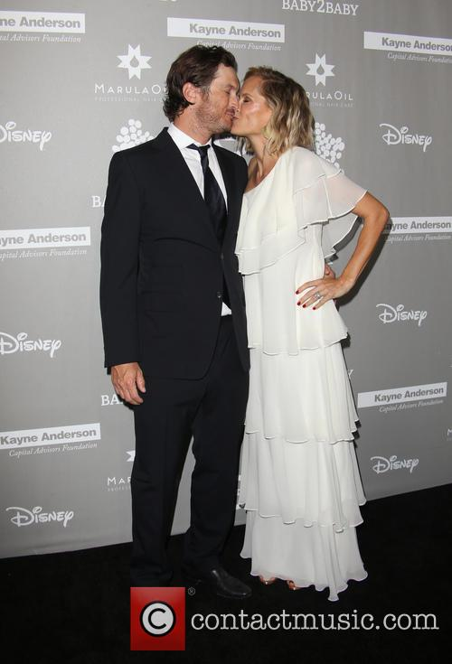 Erinn Bartlett and Oliver Hudson 2