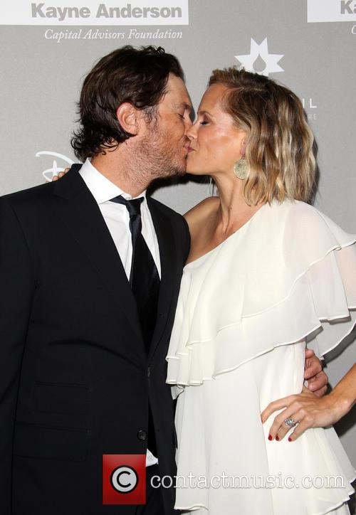 Erinn Bartlett and Oliver Hudson 8
