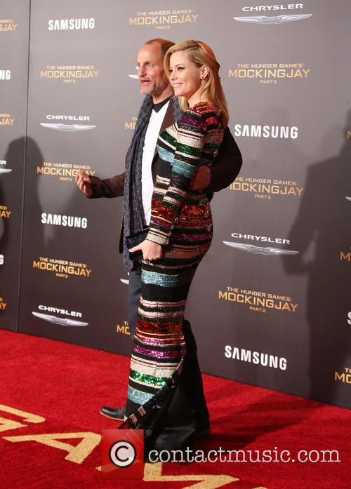 Elizabeth Banks and Woody Harrelson 2