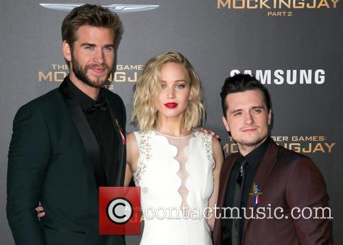 Liam Hemsworth, Jennifer Lawrence and Josh Hutcherson 5