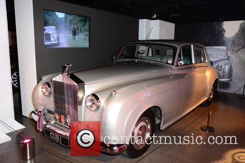 Bond and Rolls Royce 7
