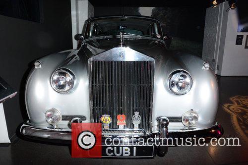 Bond and Rolls Royce 9