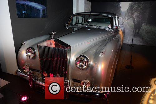 Bond and Rolls Royce 10