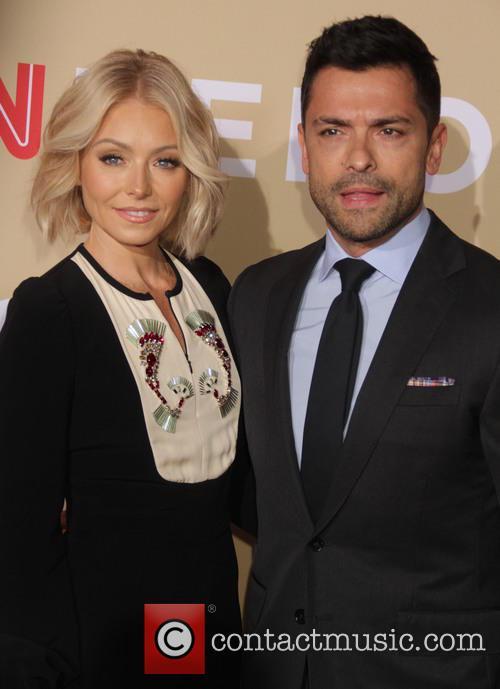 Kelly Ripa and Mark Consuelos 11