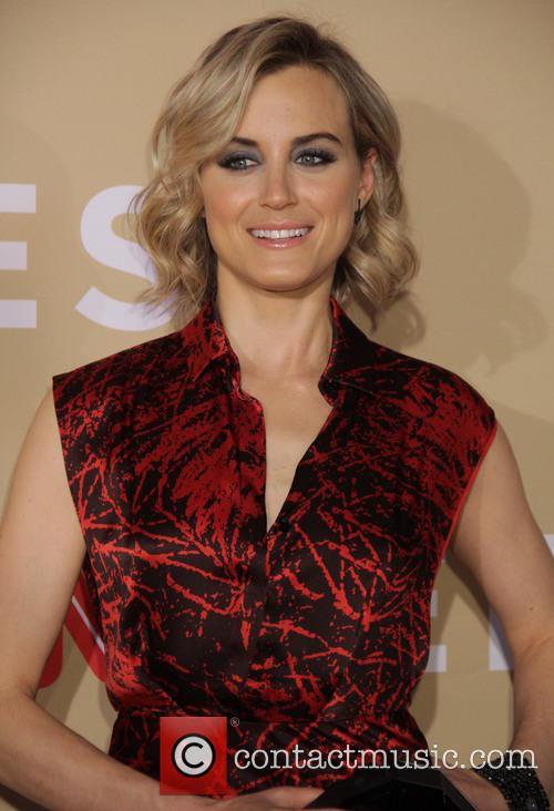 Taylor Schilling 9