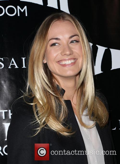 Yvonne Strahovski 3
