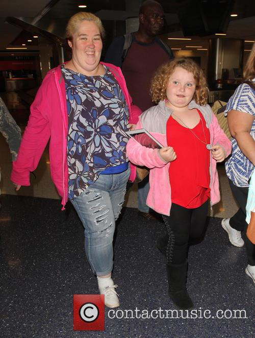 Honey Boo Boo, Alana Thompson and June Shannon 8