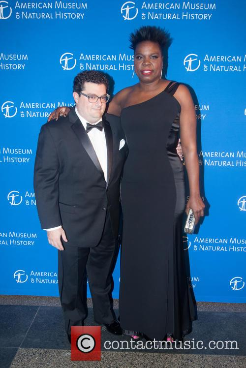 Bobby Moynihan and Leslie Jones 1
