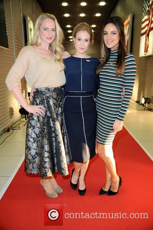 Mona, Lea Marlen Woitack and Janina Uhse 1