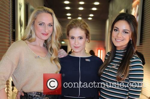 Mona, Lea Marlen Woitack and Janina Uhse 2