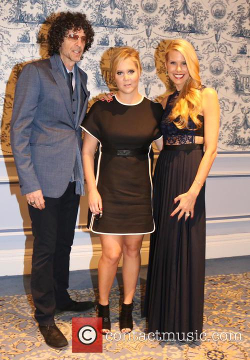 Howard Stern, Amy Schumer and Beth Ostrosky Stern 3
