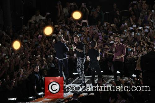 Harry Styles, Liam Payne, Niall Horan and Louis Tomlinson 7
