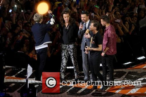 Niall Horan, Harry Styles, Jimmy Kimmel, Liam Payne and Louis Tomlinson 5