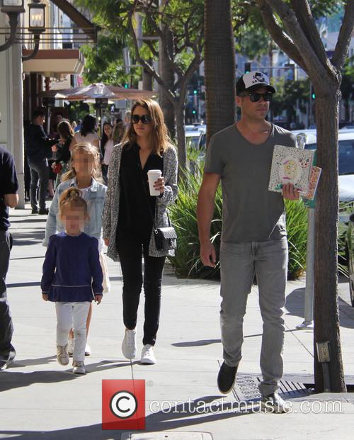 Jessica Alba, Cash Warren, Honor Warren and Haven Warren 4
