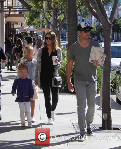 Jessica Alba, Cash Warren, Honor Warren and Haven Warren 5
