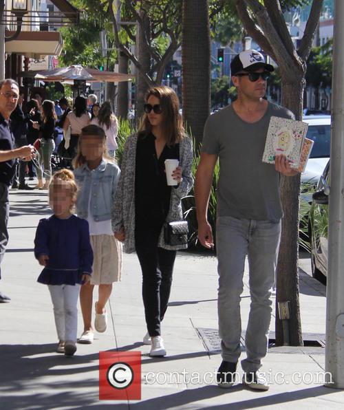 Jessica Alba, Cash Warren, Honor Warren and Haven Warren 6