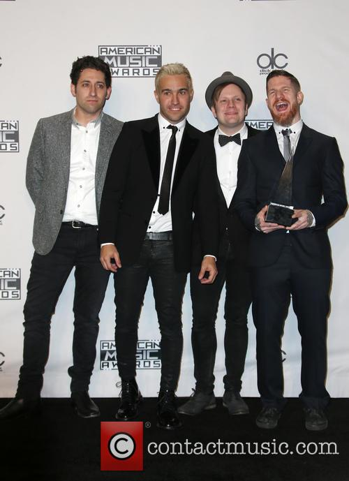 Joe Trohman, Pete Wentz, Patrick Stump, Andy Hurley and Of Fall Out Boy 4