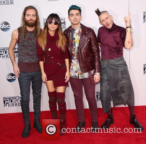 Cole Whittle, Jinjoo Lee, Joe Jonas, Jack Lawless and Dnce 2