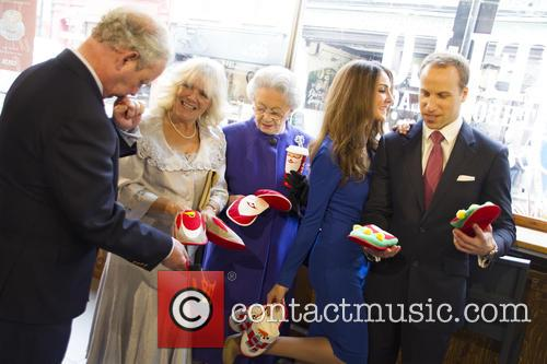A Royal Christmas at Costa! Lookalikes put their...