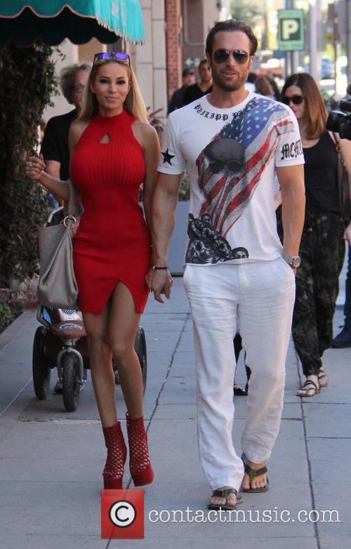 Bastian Yotta and Maria Yotta 5